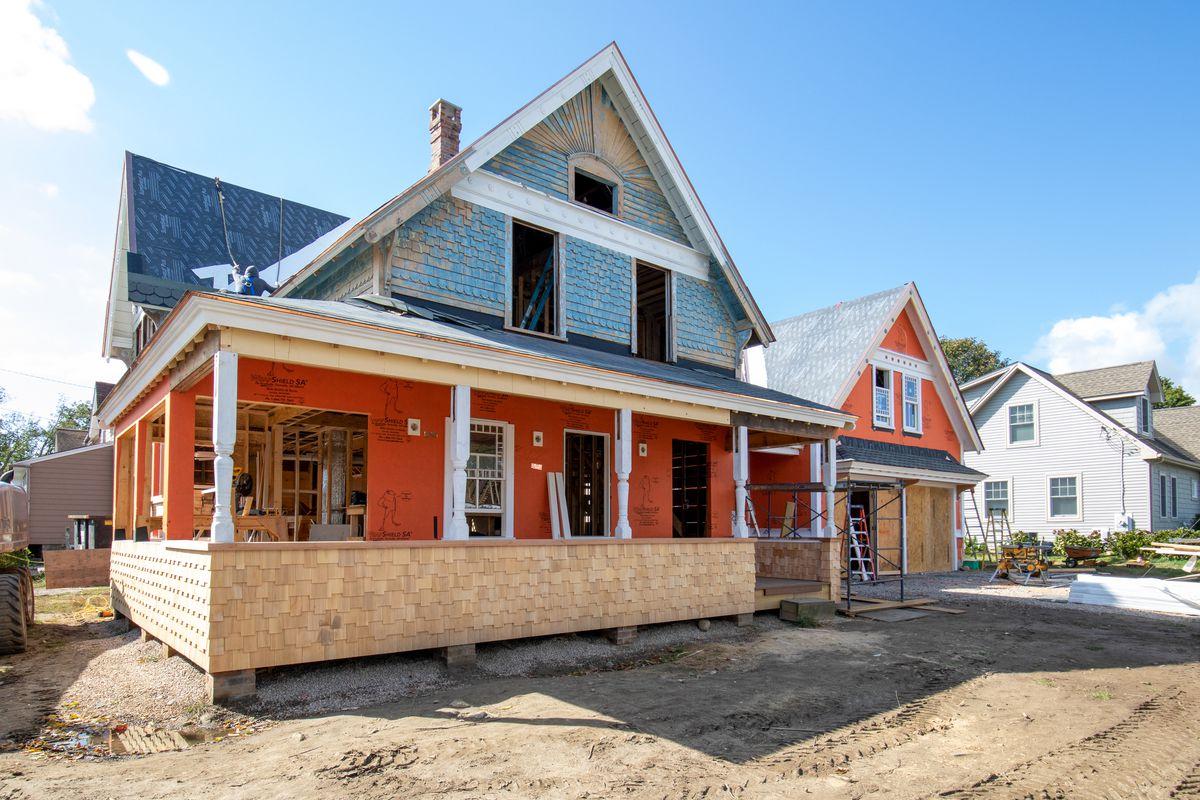 Narragansett Project House, Season 42