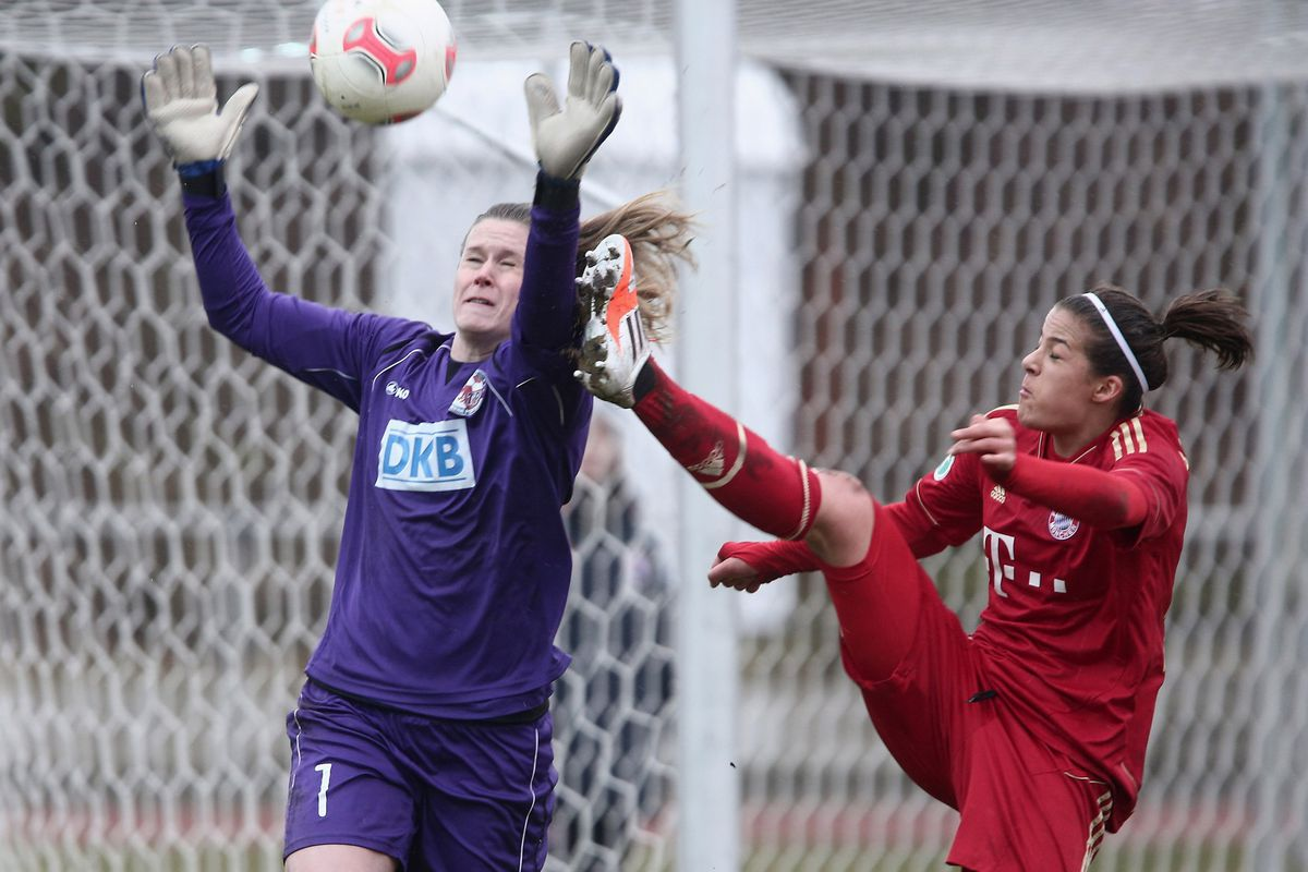 A late-match penalty-kick save preserved a draw for Alyssa Naeher and the Breakers