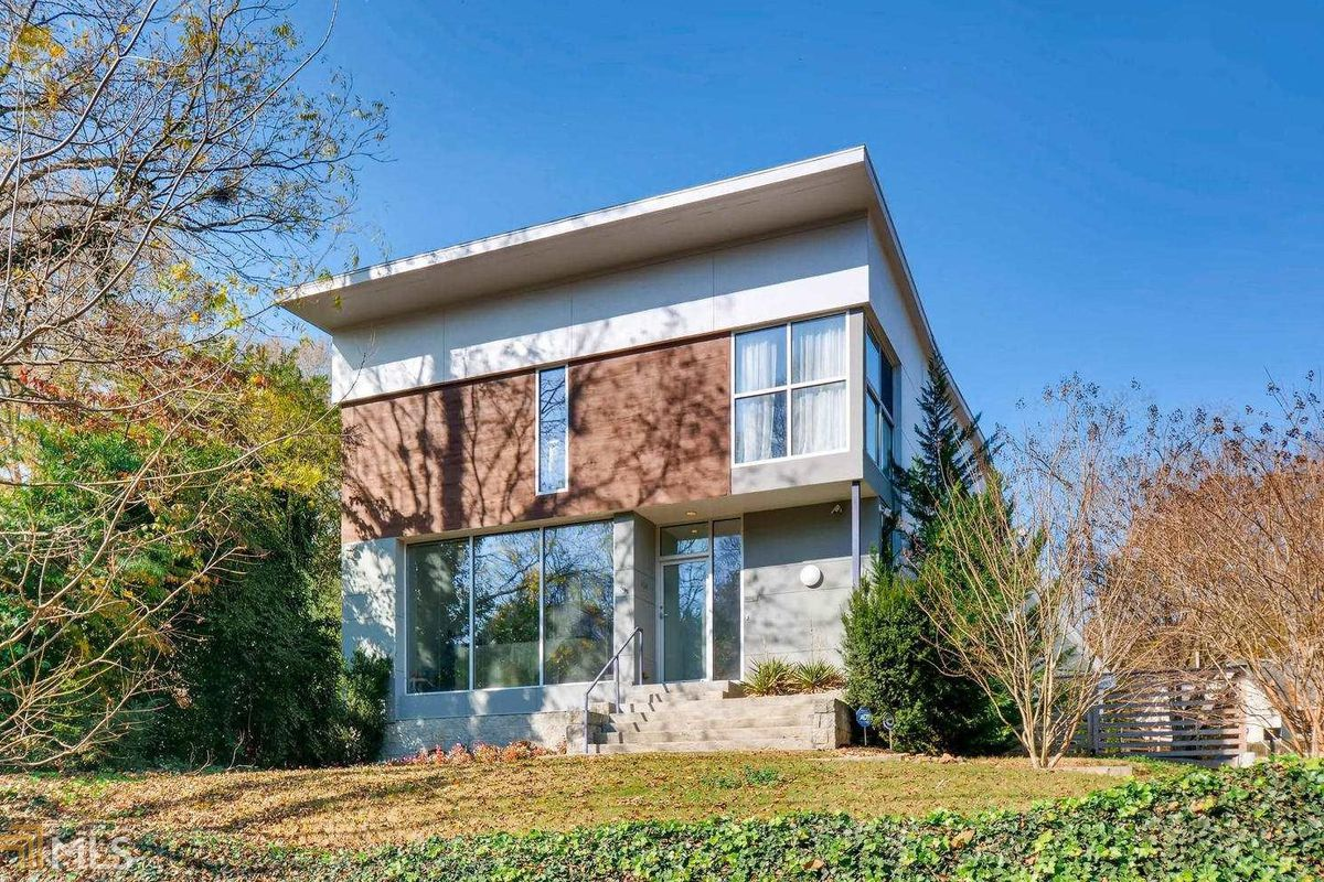 A modern home for sale in Ormewood Park Atlanta right now.
