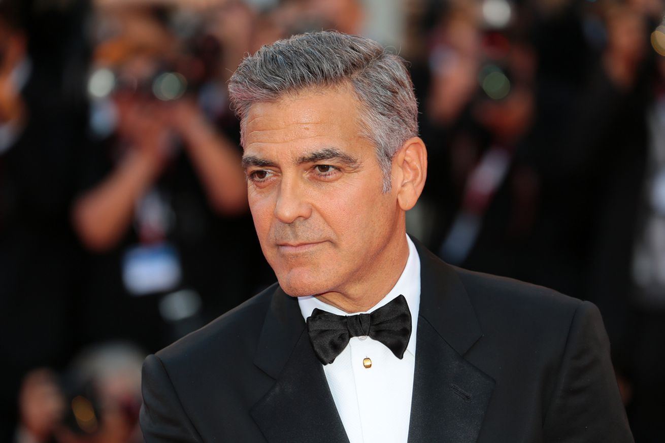 hulu is making a catch 22 miniseries with george clooney
