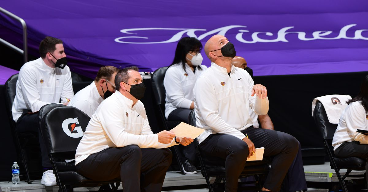 Lakers fans regain confidence in team following Andre Drummond signing - Silver Screen and Roll