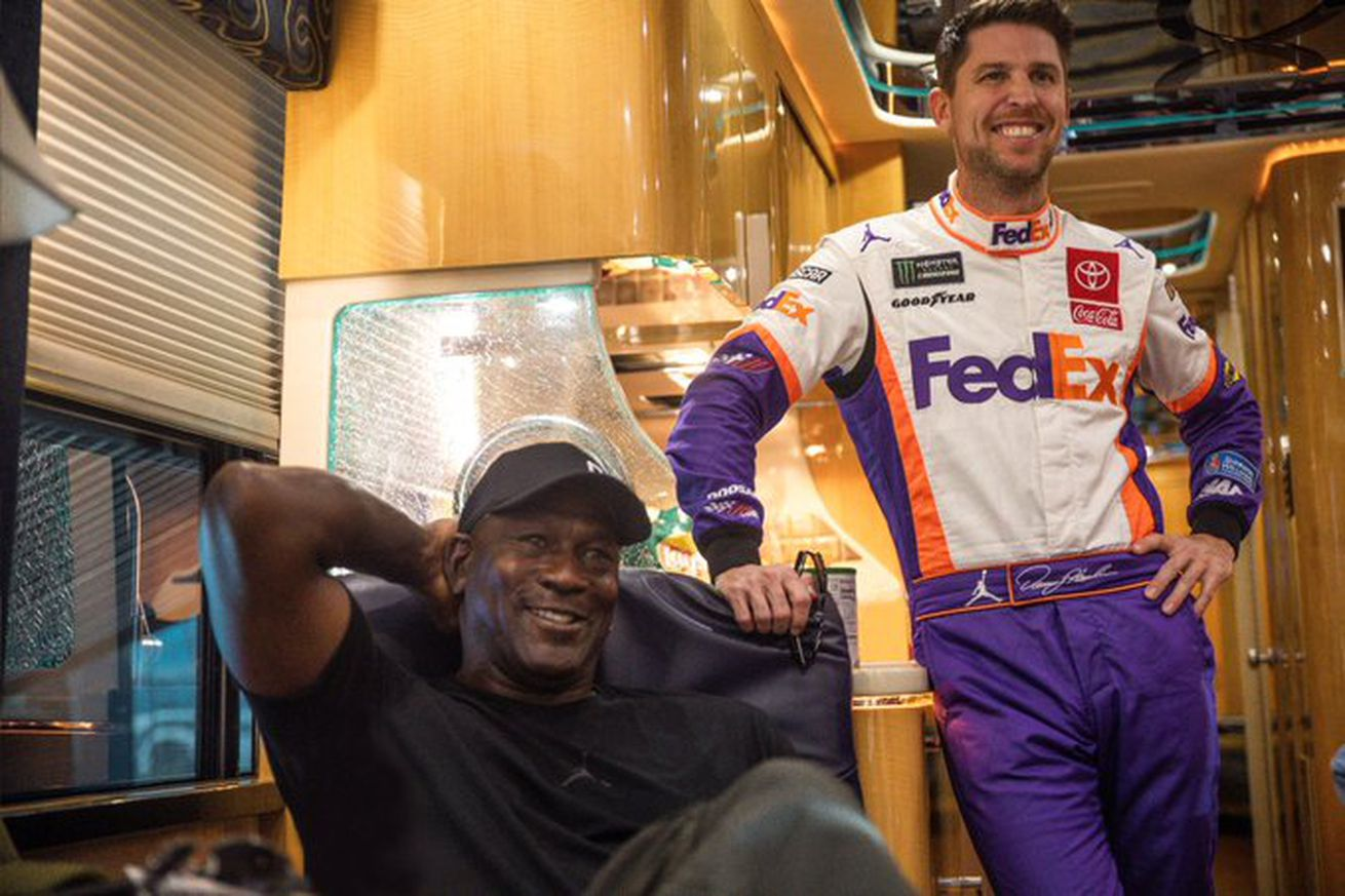 EievOnNWAAMVQ05.0 - Michael Jordan and Denny Hamlin just started a NASCAR team, and signed Bubba Wallace