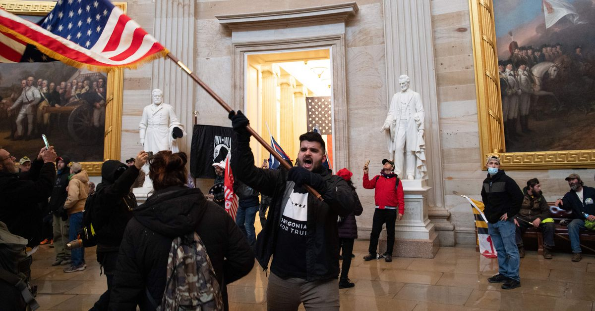 In photos: the pro-Trump mob's invasion of Congress thumbnail