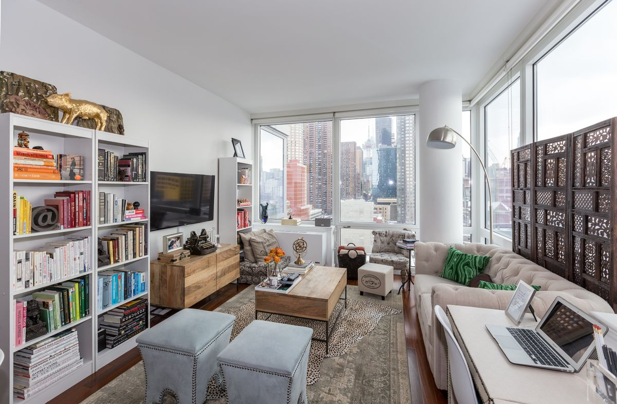 20 Something Manhattan Apartment: 20 Cozy NYC Living Spaces To Inspire (and Distract) You