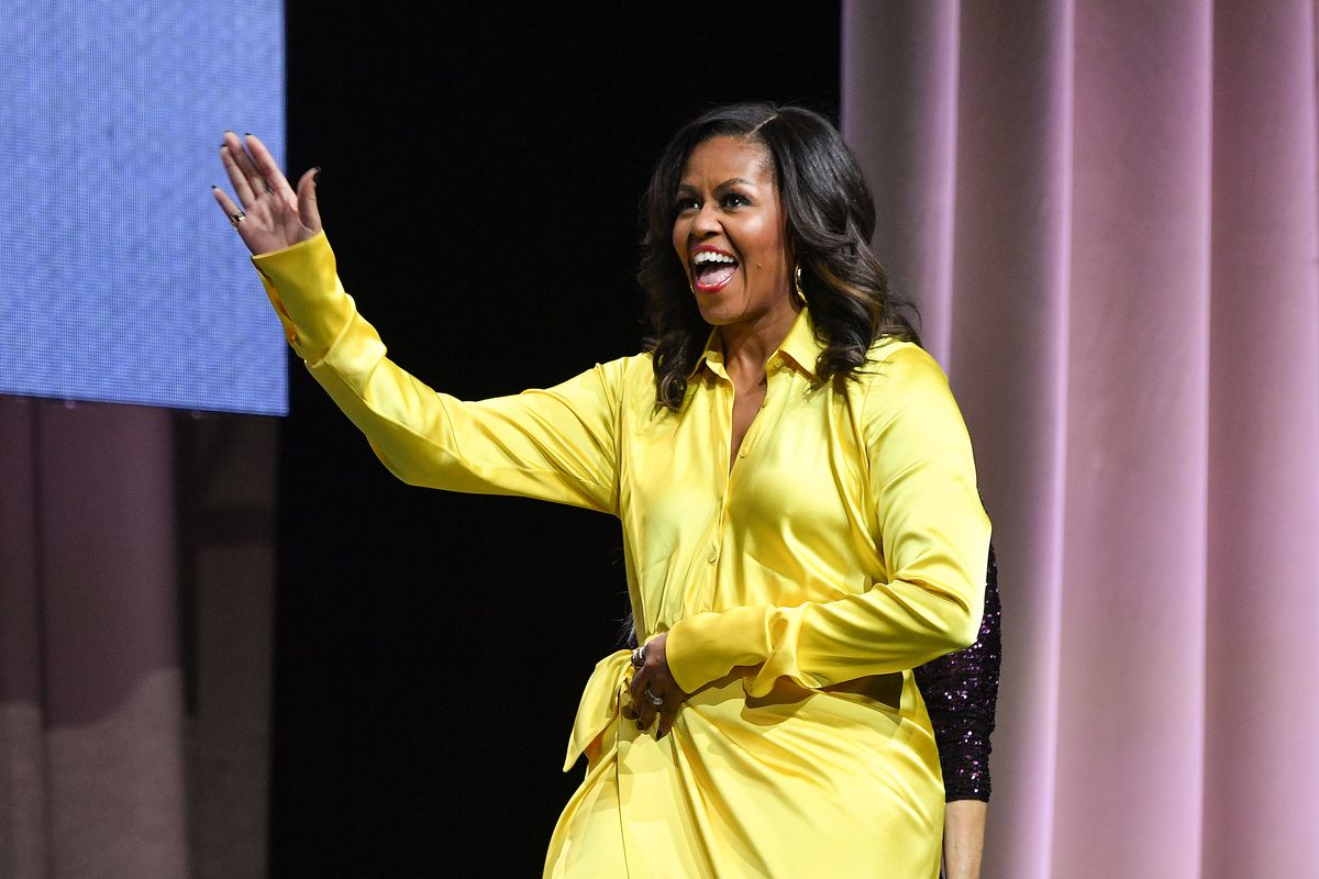 How Michelle Obama makes a speech in front of 20,000 people feel like an intimate conversation