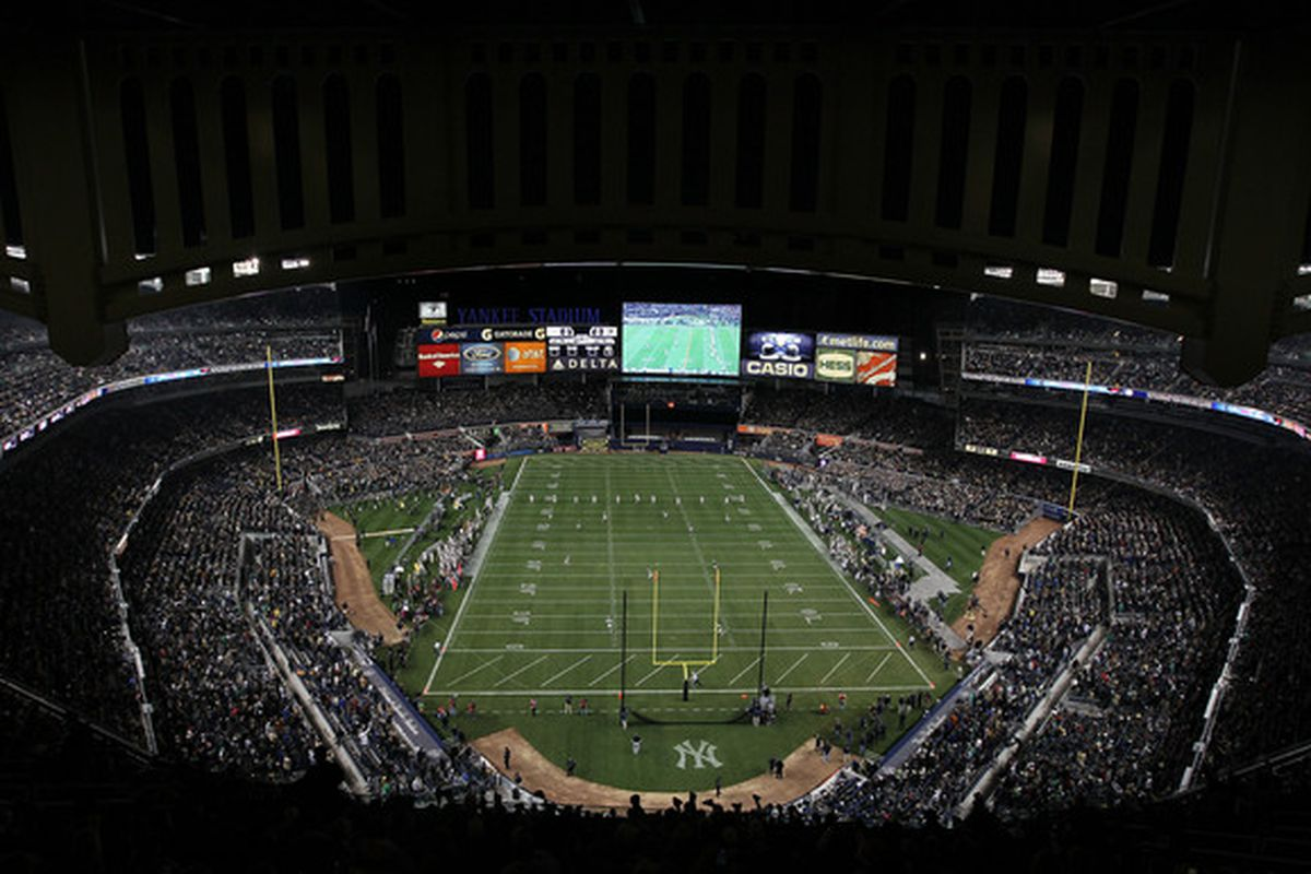A general view of the kickoff during the game between the Notre Dame Fighting Irish and the Army Black Knights at Yankee Stadium on November 20 2010 in the Bronx borough of New York City. (Photo by Nick Laham/Getty Images)