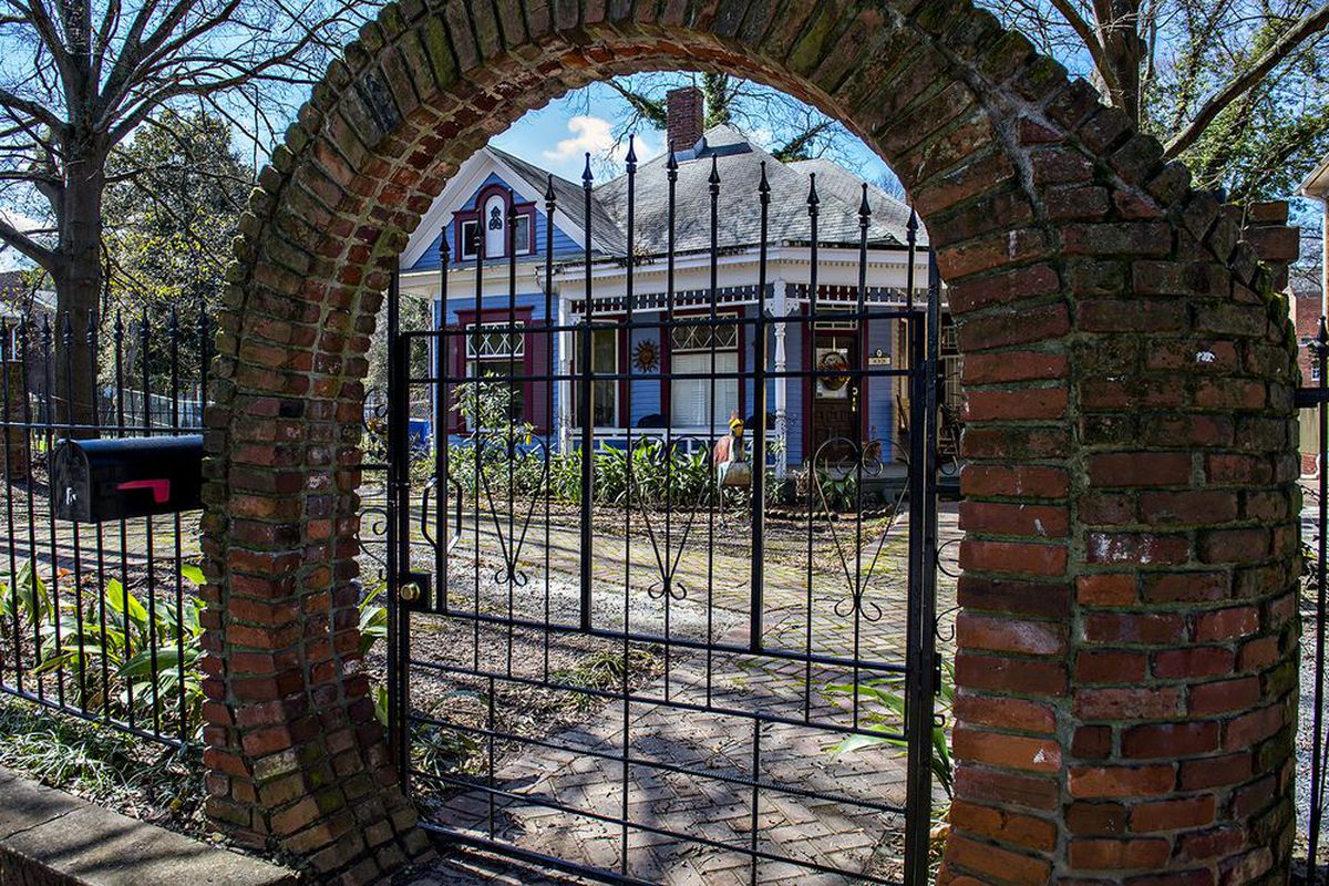 The ancient entryway to a Peeples Street Victorian in West End Atlanta.