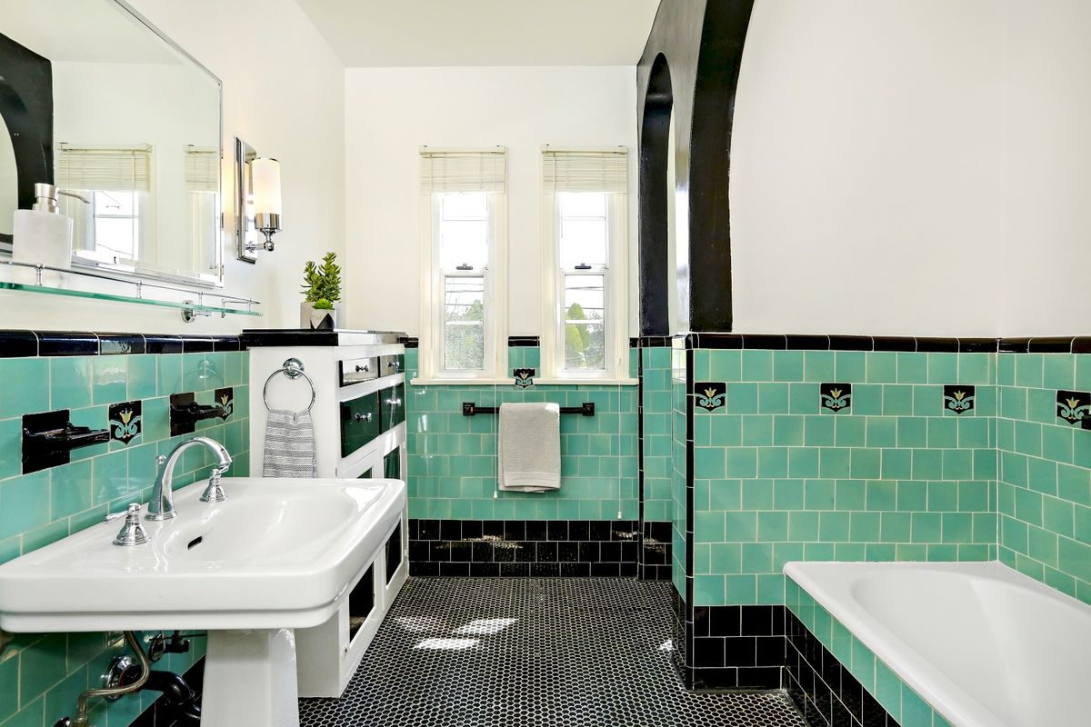 Green And Black Tiled Bathroom Spanish Style