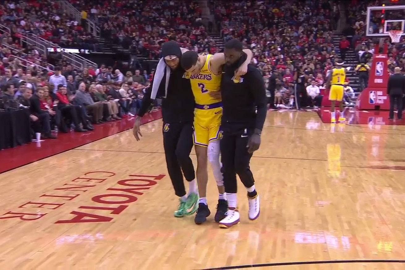 screen shot 2019 01 19 at 7.03.31 pm  2 .0 - Lonzo Ball had to be helped off after ankle injury vs. Rockets