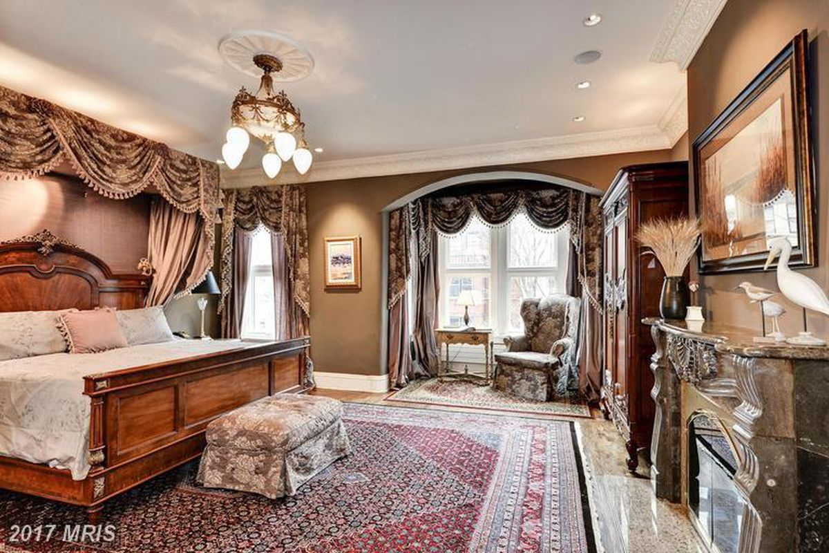 $2.5M Dupont Circle Brownstone offers luxe interior, surround ...