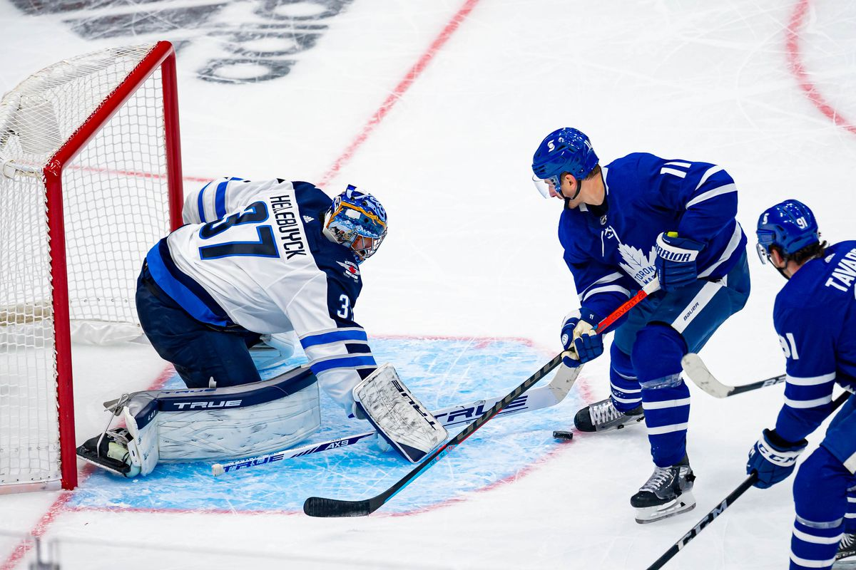 NHL: JAN 18 Jets at Maple Leafs