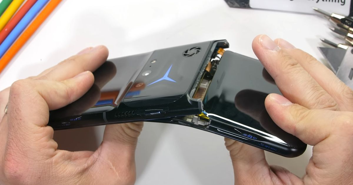 Watch Lenovo's new gaming phone break spectacularly