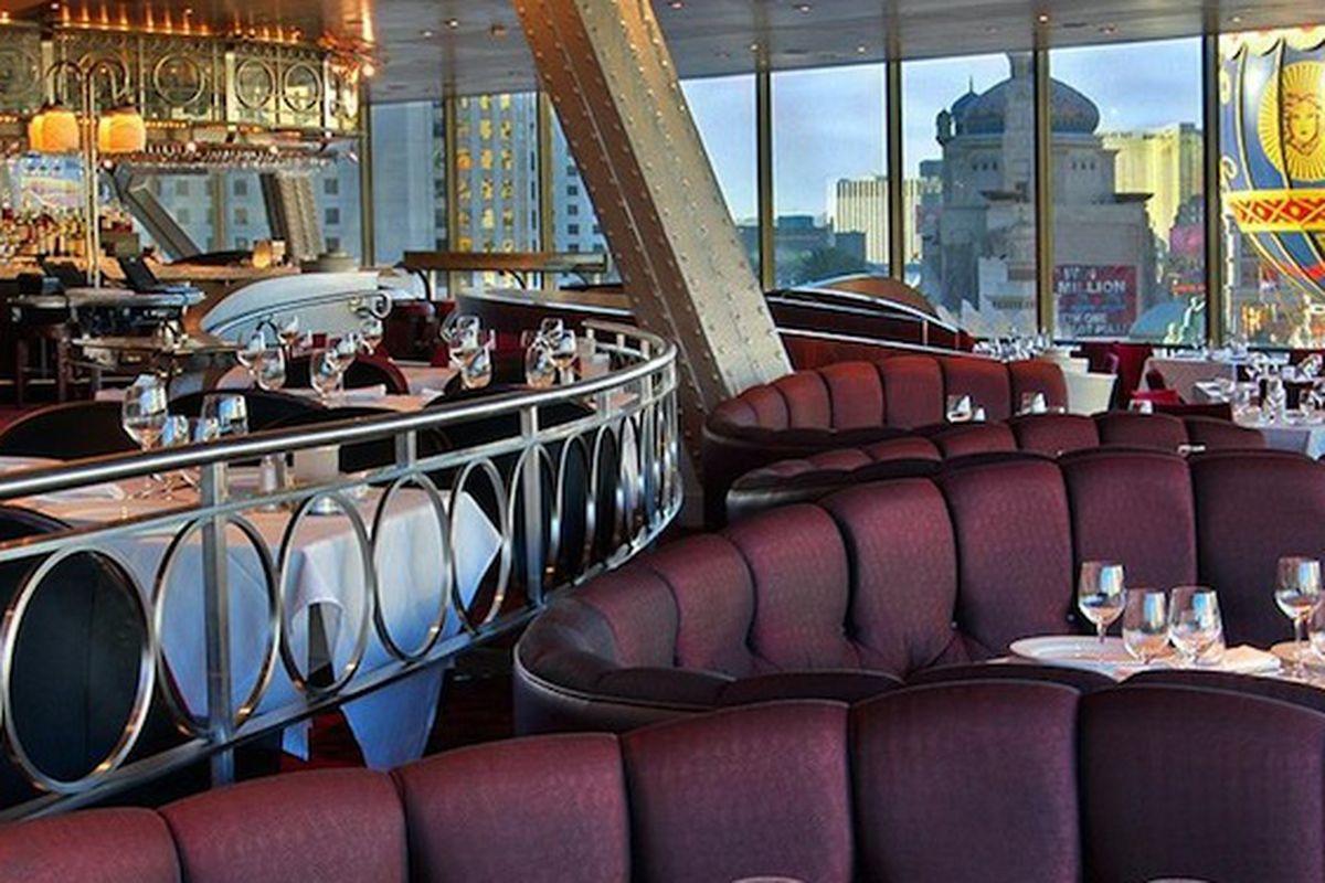 Eiffel Tower Restaurant S Late Lunch More Eater Vegas