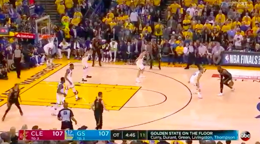 b8a685285658 Why Isn t LeBron James Dominating the Mismatch Against Steph Curry ...