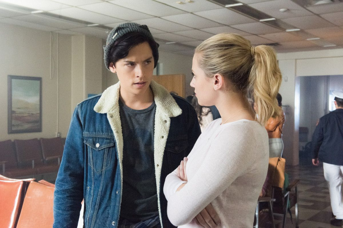 Riverdale S Lili Reinhart Wouldn T Be Caught Dead In Betty S