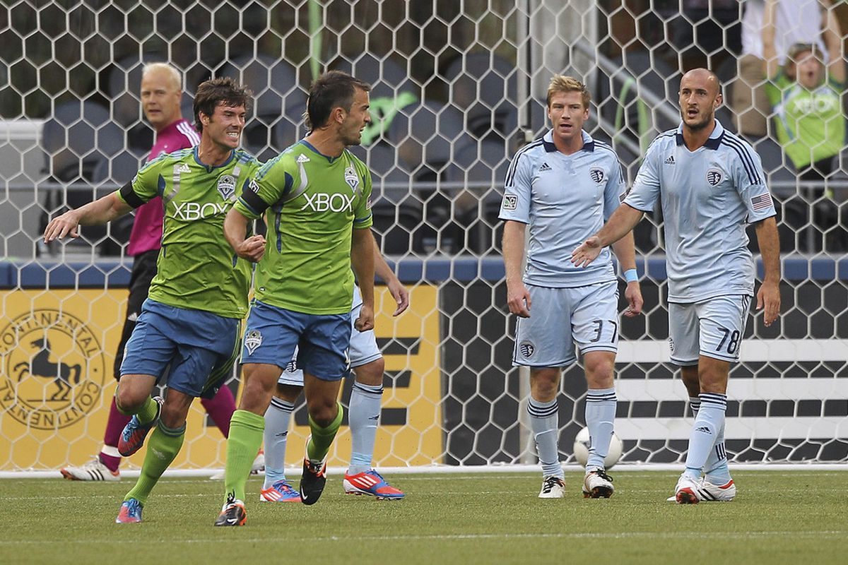 Just another meeting between Seattle and the Sporting KC net. (Photo by Otto Greule Jr/Getty Images)