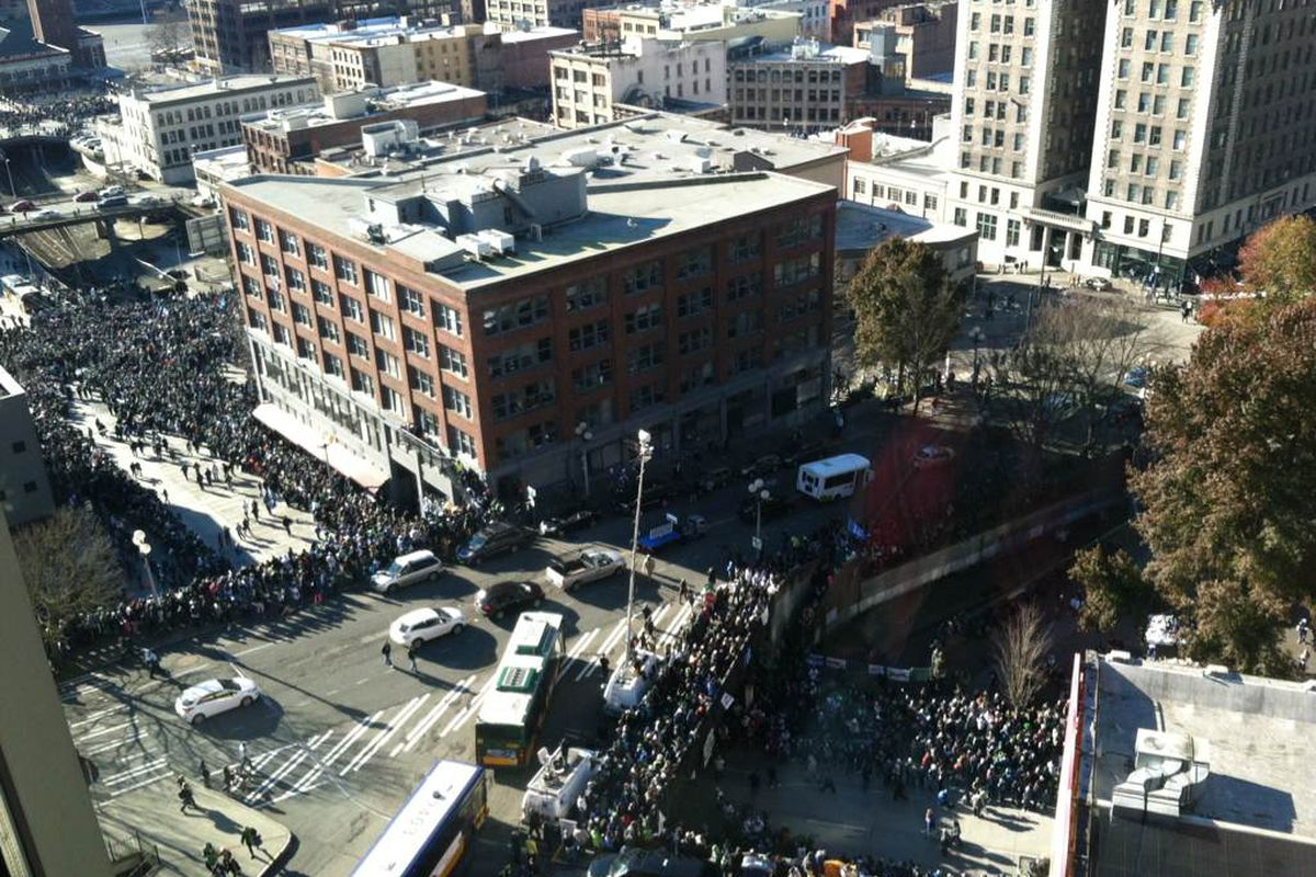 Steve Stearns providing an arial view of the thousands of fans in attendance at the Seahawks Victory Parade.