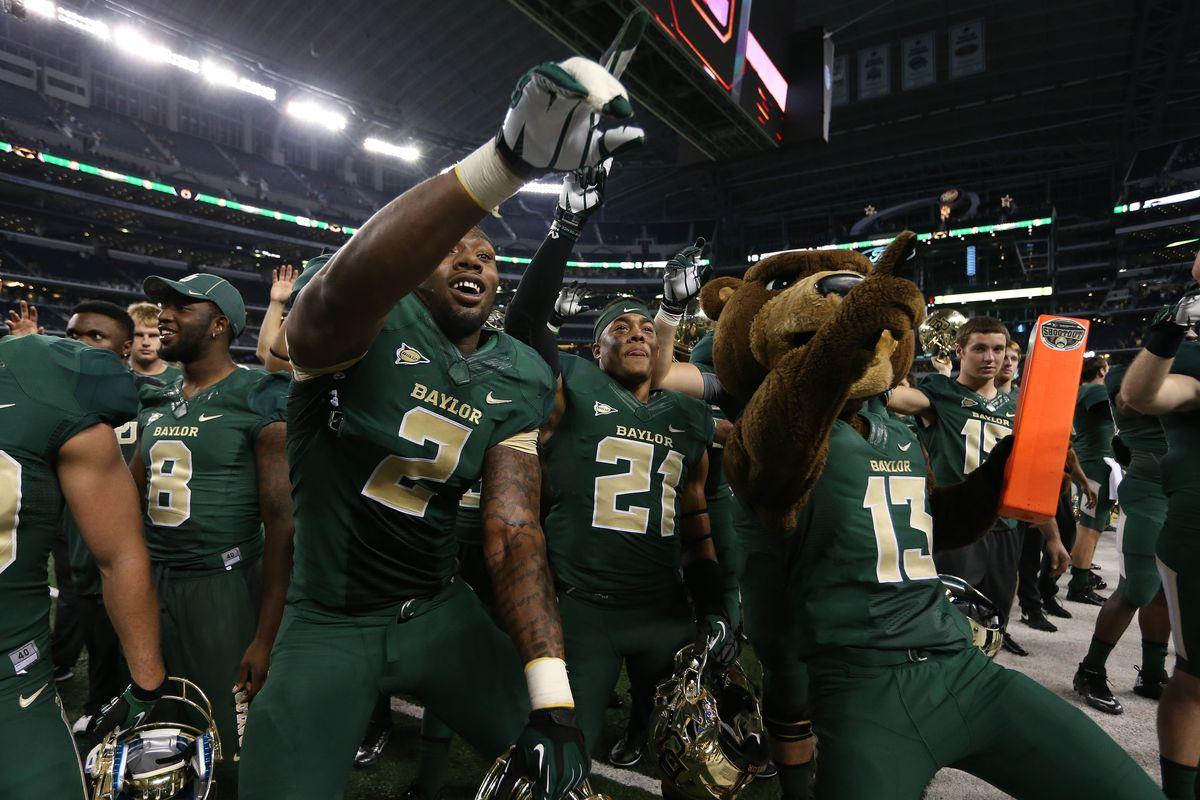 Johnny Jefferson, Patrick Levels, and Bruiser getting down at JerryWorld