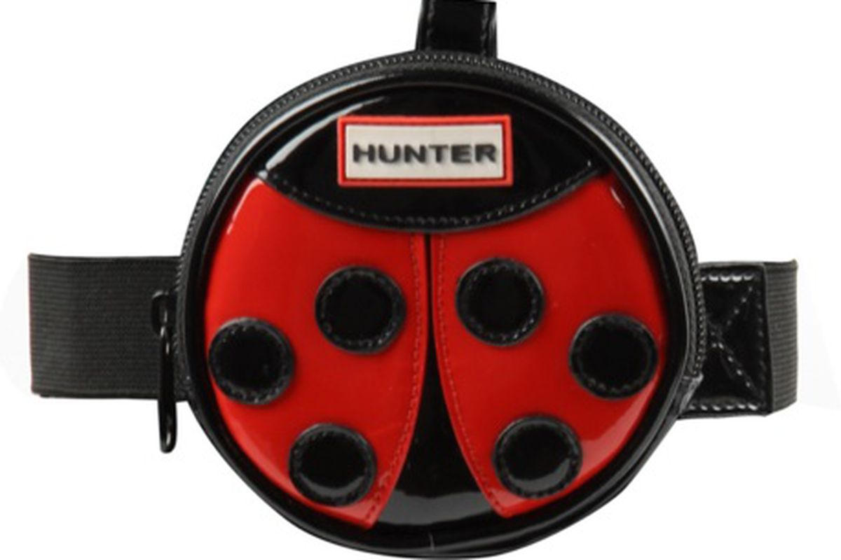 "<br><a href=""http://us.asos.com/Hunter-Hunter-Ladybird-Welly-Pouch/s98d7/?iid=946591&amp;cid=4172&amp;Rf-200=10,1&amp;sh=0&amp;pge=0&amp;pgesize=200&amp;sort=-1&amp;clr=RedBlack"">Hunter ladybird wellington pouch, $25 at </a><a href=""http://us.asos.c"