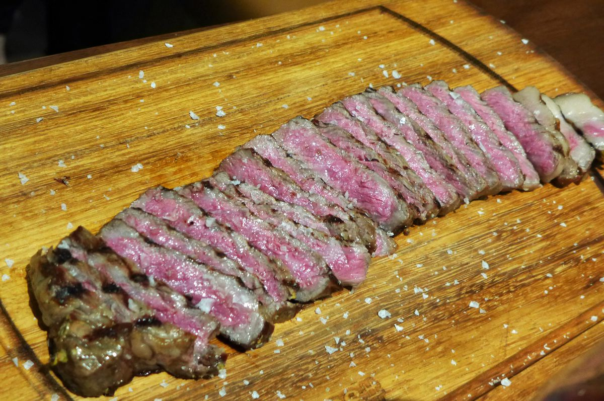 The Istanbul Steak At Nusr Et Photo By Robert Sietsema Eater Ny