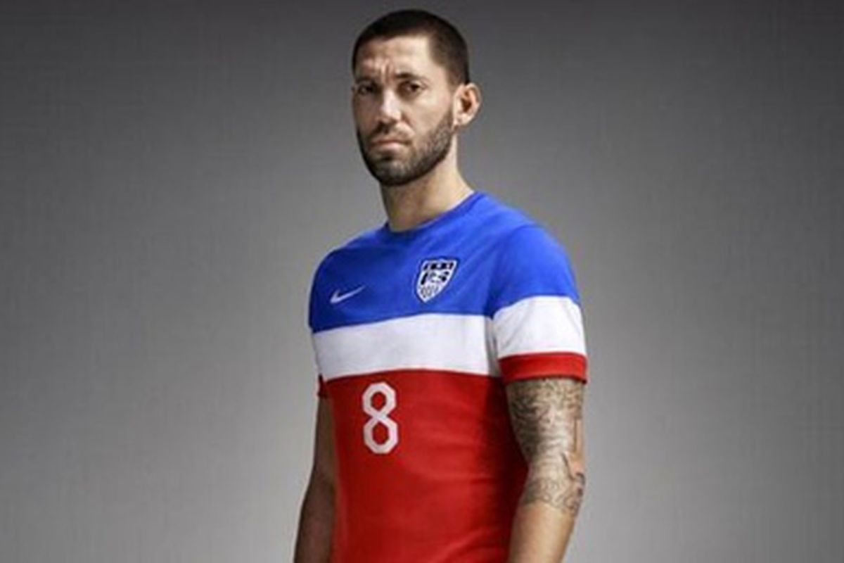 2014: Have we reached Peak Kit Failure? First USA's home-team homage to golf, then cf97's spidey-sense freakout, now this thing.