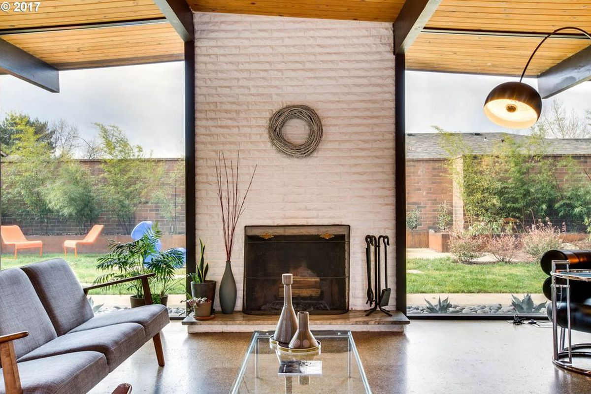 Classic 1960s Home With Sunny Atrium Asks 570k Curbed