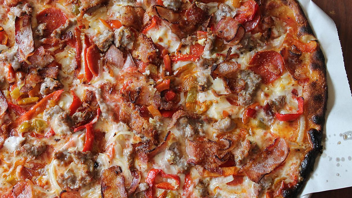 The Definitive Guide to New Haven Pizza