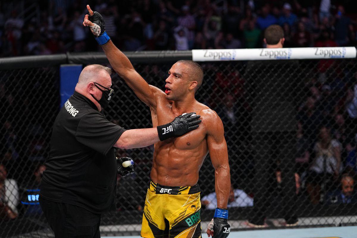 UFC 262: Burgos v Barboza