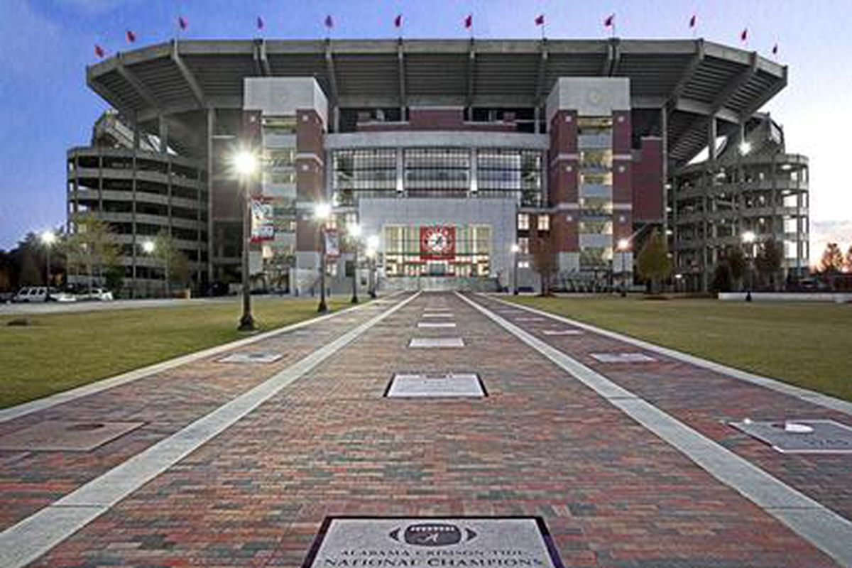 alabama chat Alabama crimson tide football, basketball, baseball and recruiting indepth news coverage, stats, schedules, depth charts and merchandise.