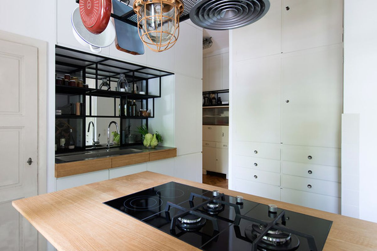 Renovation upgrades 1930s art deco pad for modern living curbed