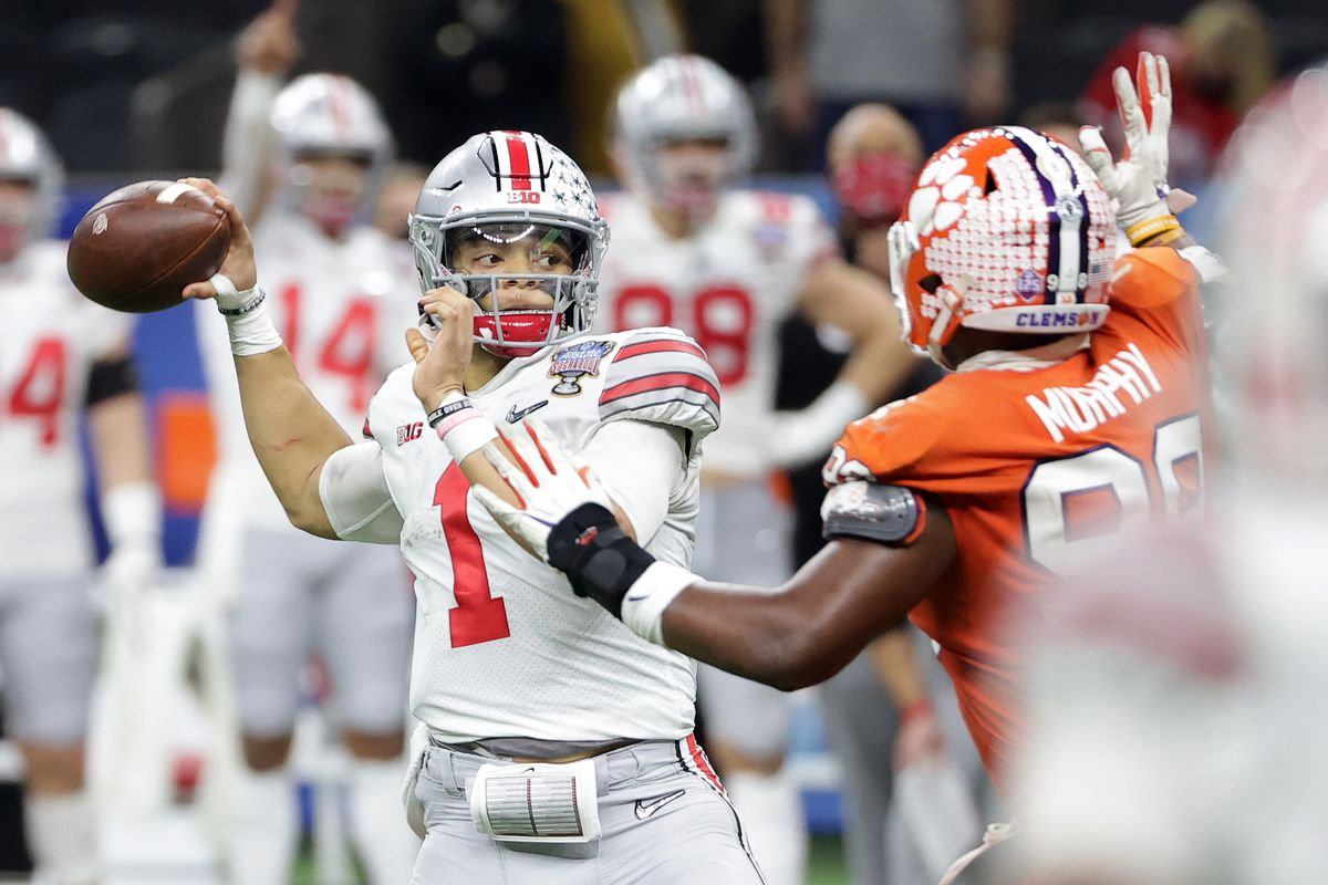 Ohio State Buckeyes quarterback Justin Fields (1) attempts a pass against the Clemson Tigers during the second half at Mercedes-Benz Superdome.
