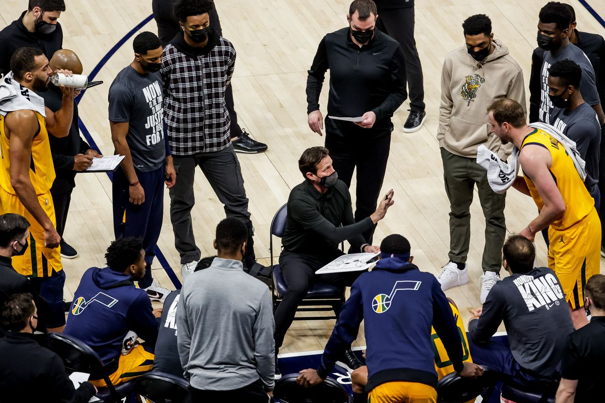 Utah Jazz head coach Quin Snyder works a time out with the team during the game against the New Orleans Pelicans at Vivint Smart Home Arena in Salt Lake City on Tuesday, Jan. 19, 2021.