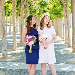 The bride and her sister Gabriella Svensk
