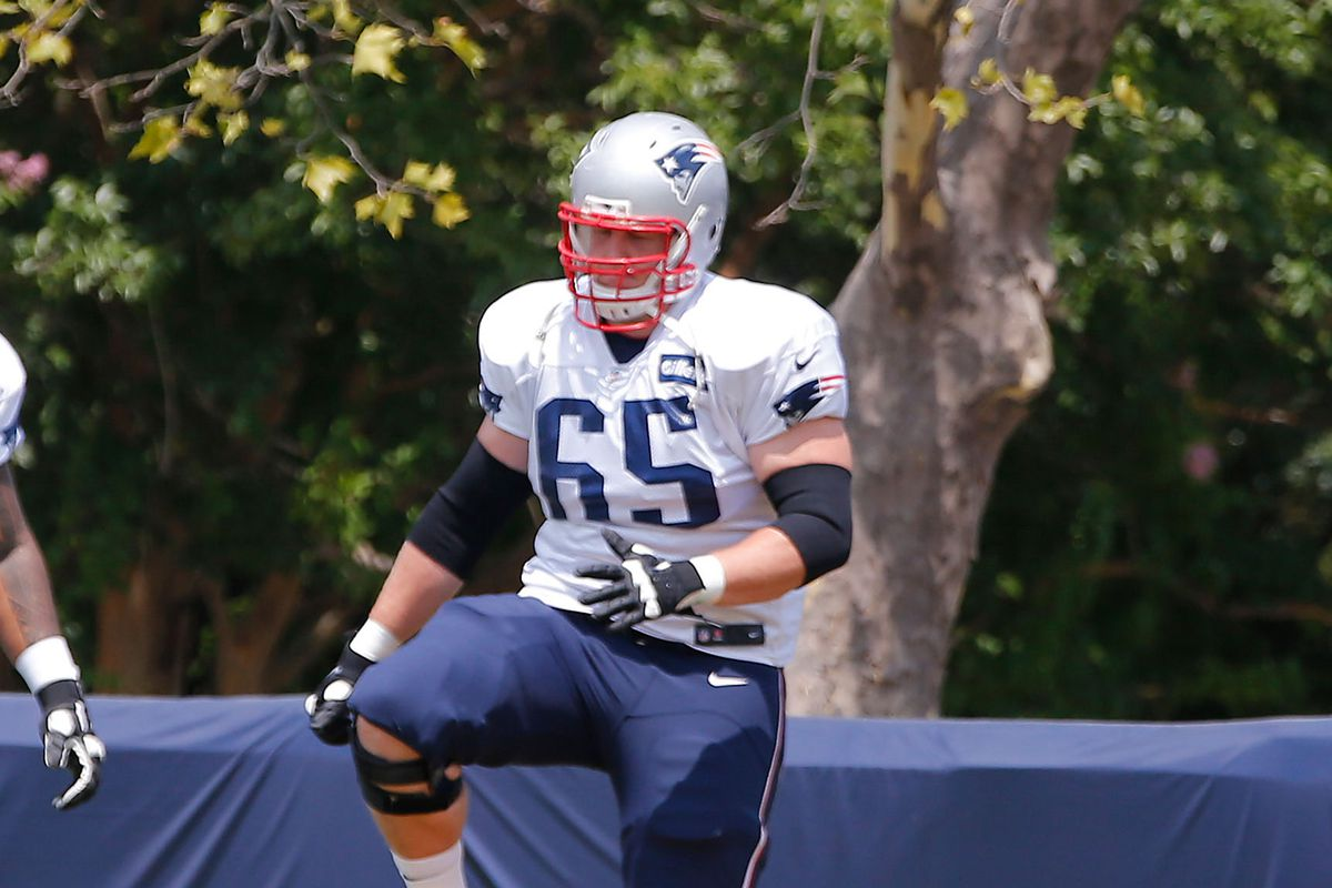 the latest 988bd 91efc Sources: Patriots Trade OL Jordan Devey to 49ers for TE ...