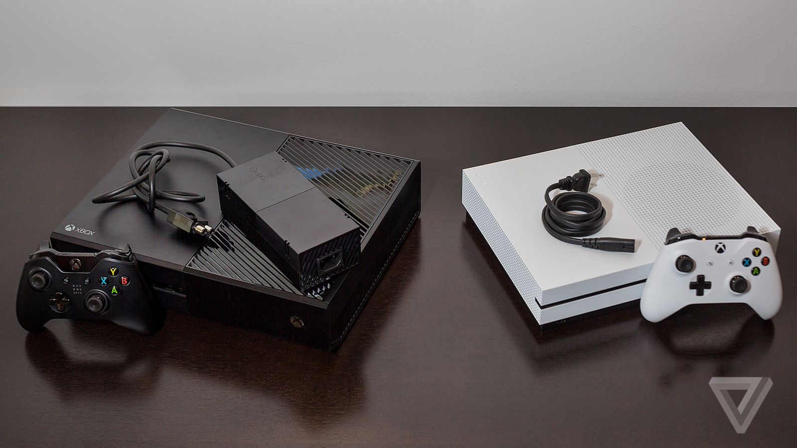 Microsofts New Xbox Finally Ditches The Annoying Power Brick 125v Mini2440 Supply System Schematic Diagram Verge