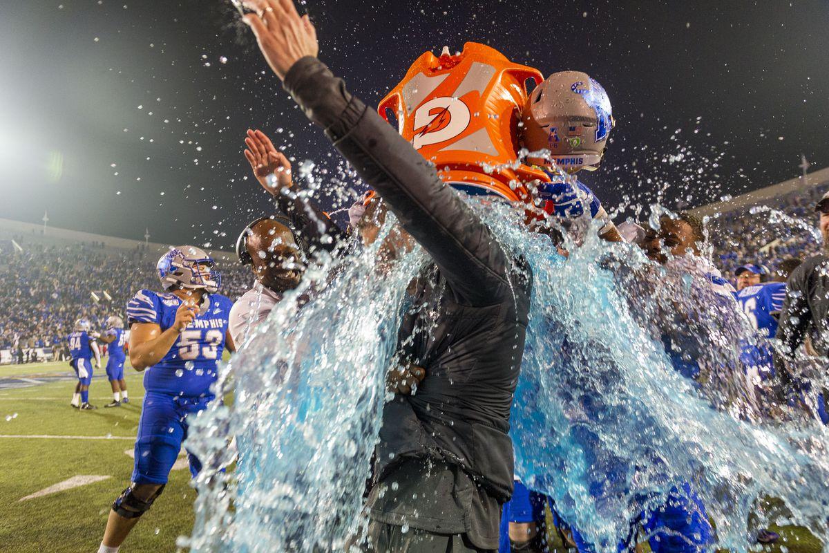 NCAA Football: American Athletic Championship-Cincinnati at Memphis