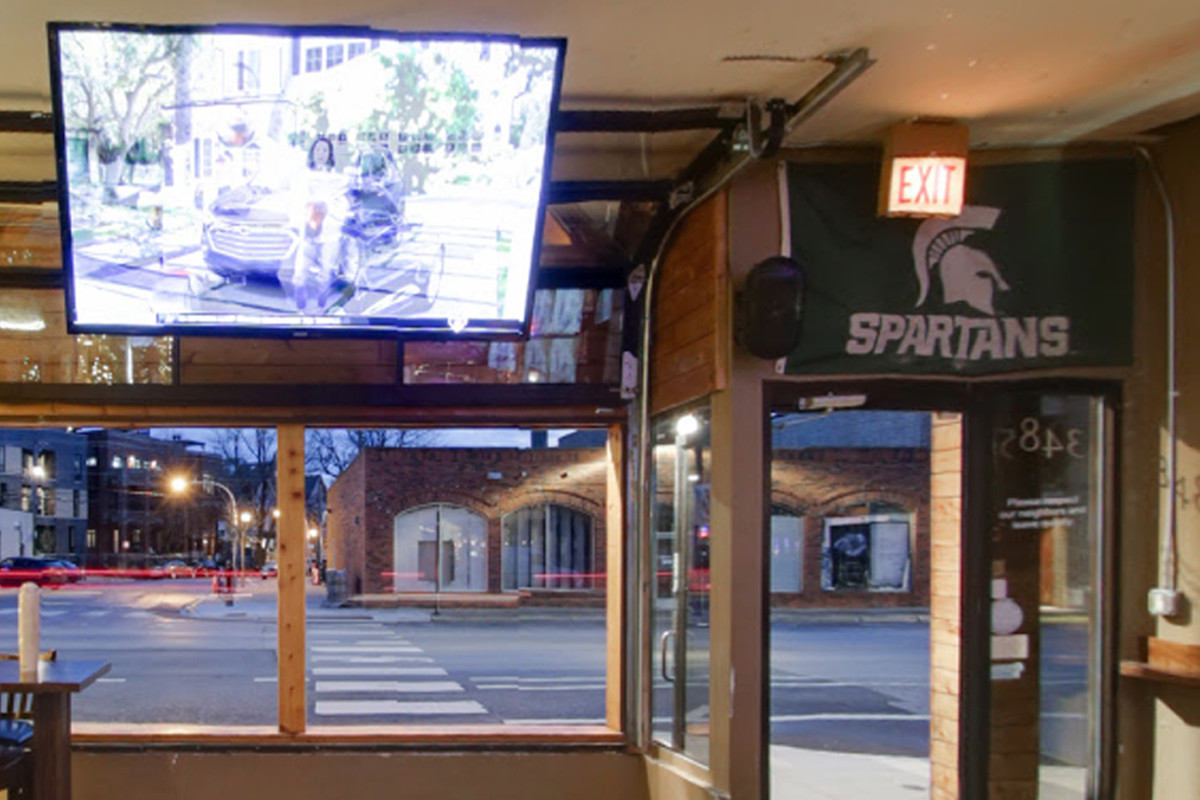 Inside The Stretch, one of the many Big Ten bars along Clark Street south from Wrigley Field. More Big Ten graduates live in Chicago than in any other city. Chicago has the highest percentage of college graduates of the seven biggest cities in the United