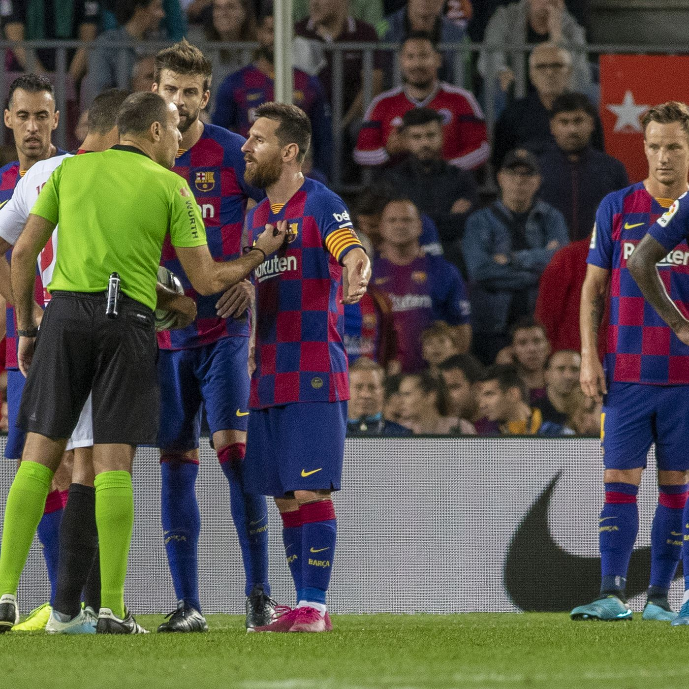 Lionel Messi Tried To Save Ousmane Dembele From Sevilla Red Card Barca Blaugranes