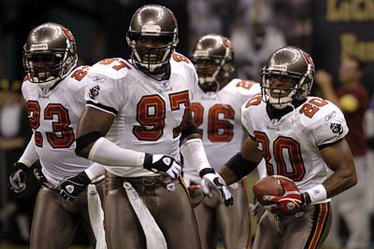 Most of the greats were there, but the 2004 defense was struggling to recover from the loss of Sapp and Lynch, at least as far as their positions were concerned.