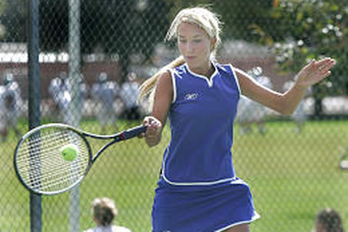 Orem High's No. 1 singles player Kaitlyn Craig plays a match against Provo High Tuesday. She is undefeated so far in the 2005 season.