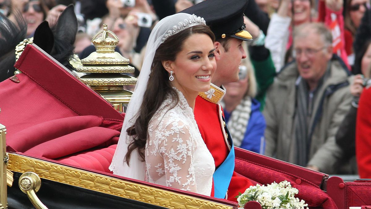 Kate Middleton in a carriage at her wedding