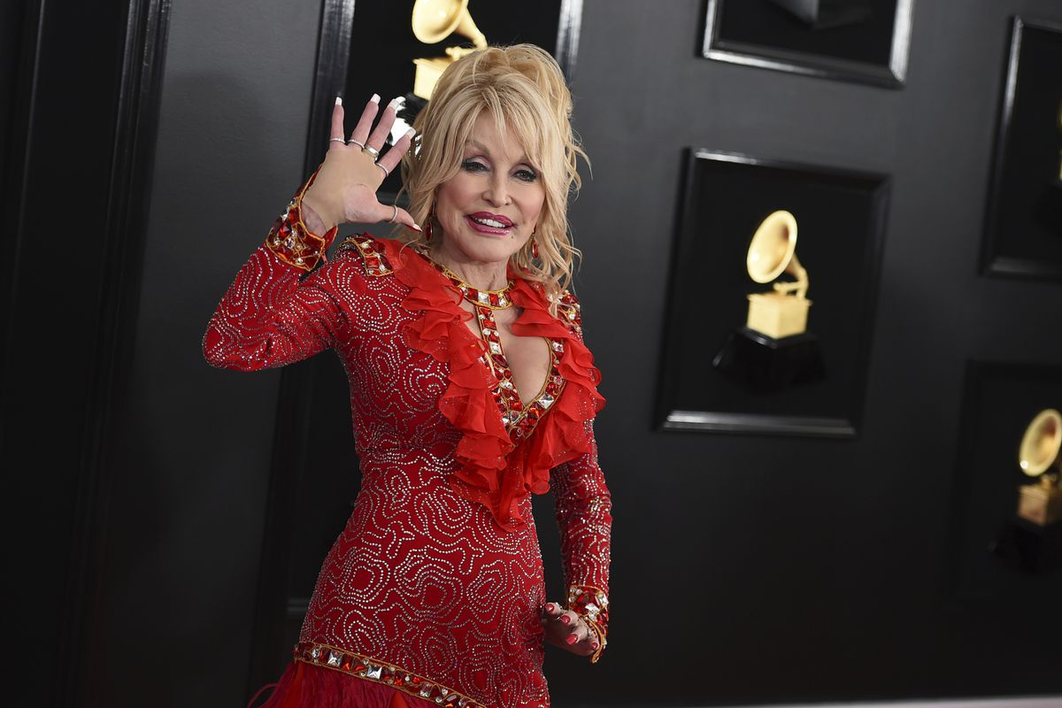 Reba, Dolly, Carrie Underwood to host CMAs; Brad Paisley out