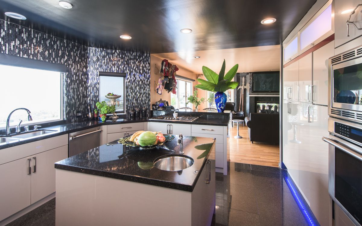 Photos Ice T S Old Hollywood Hills House For Sale Curbed La