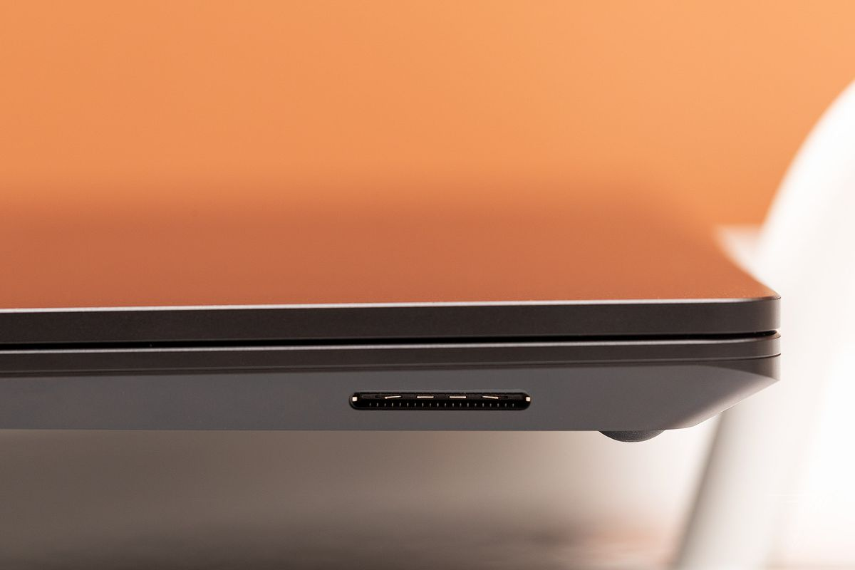 akrales 191017 3723 0112 - بررسی سطح 15 لپ تاپ مایکروسافت Surface Laptop 3: این یک لپ تاپ Surface بزرگتر است   -  ایگر لپ تاپ استوک