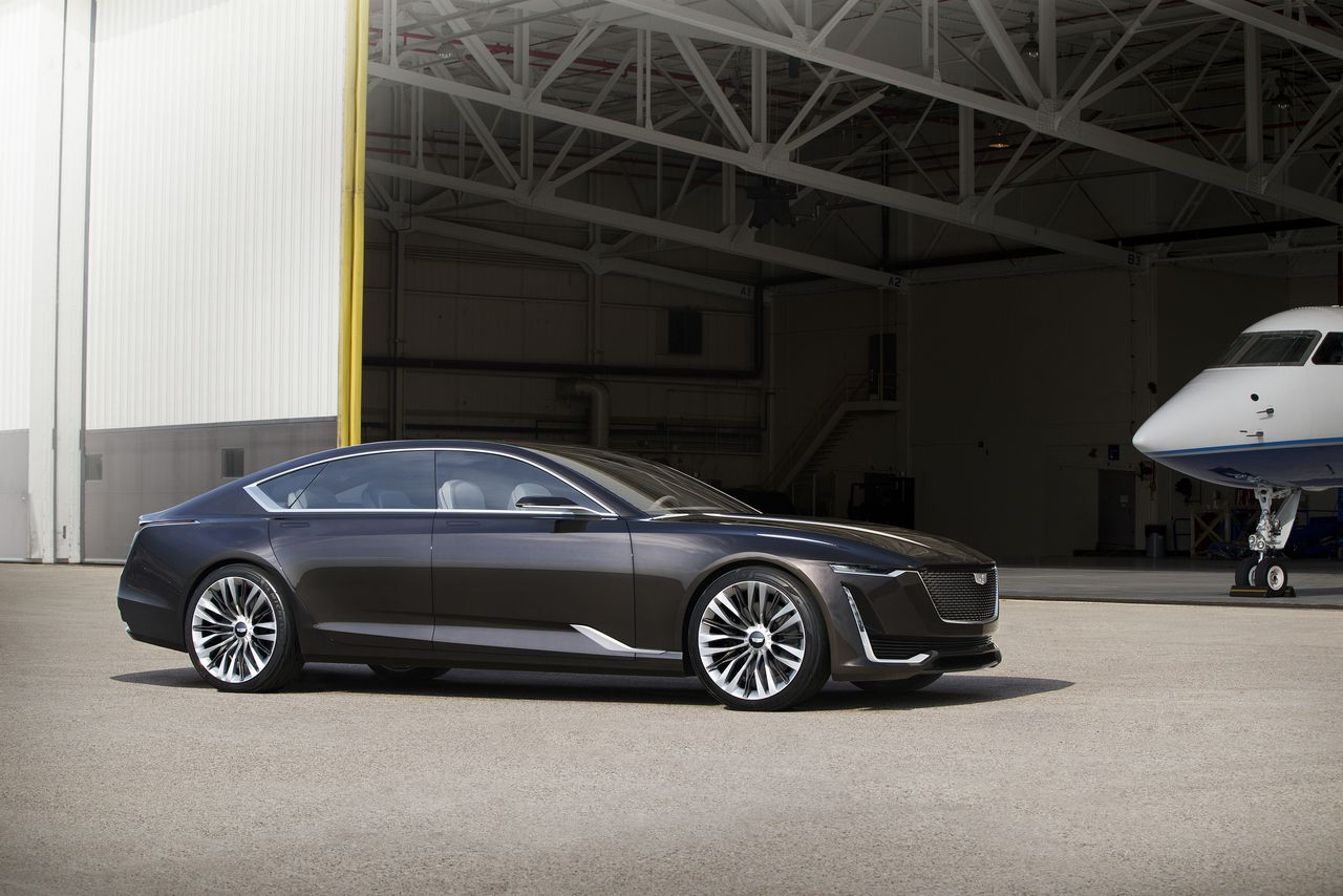 iihs pick new from drive h news the earns first cadillac top all safety