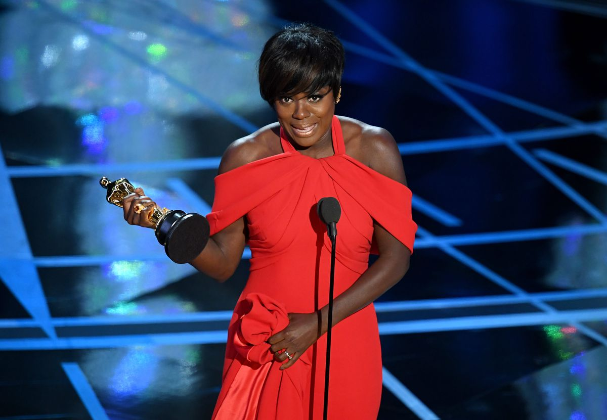 Viola Davis accepts the best supporting actress Oscar on February 26, 2017 in Hollywood, California. | Kevin Winter/Getty Images