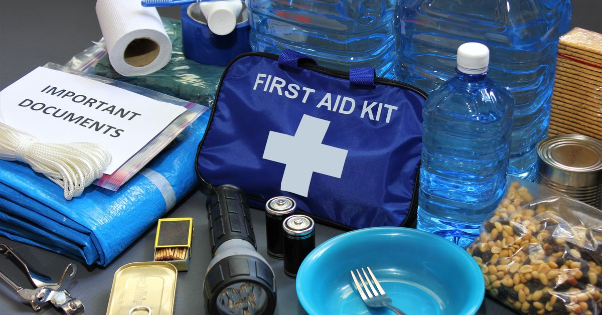 Here's what you'll need for an earthquake preparedness kit