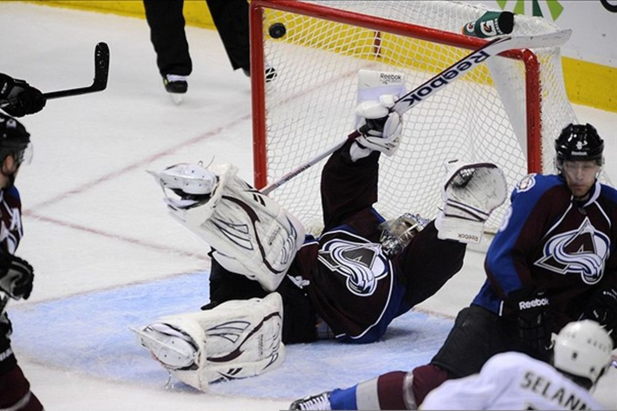 This is not butterfly goaltending. Photo Credit