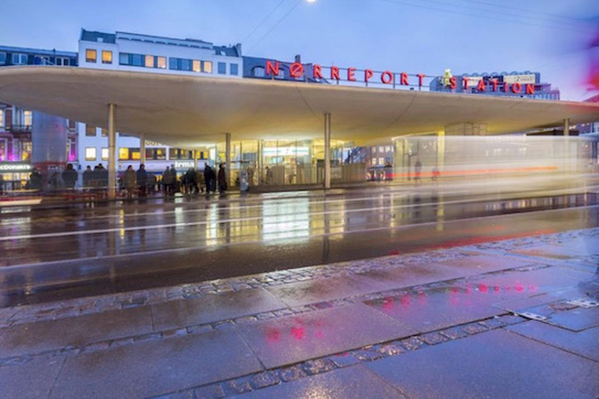 """The renovation of Nørreport Station, the busiest in Denmark, repositioned the entire forecourt and added 1,900 new bicycle parking spaces. All images via <a href=""""http://www.gottliebpaludan.com/en/"""">Gottlieb Paludan Architects</a>"""