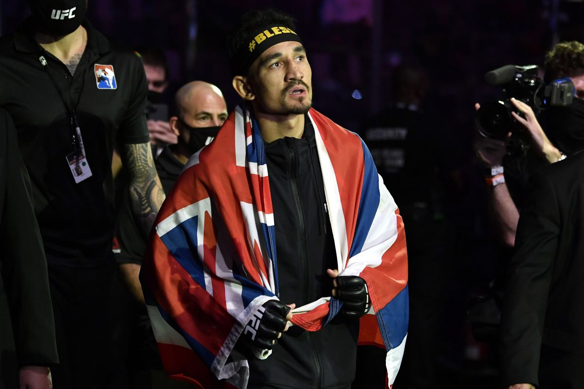 Max Holloway ahead of his fight with Calvin Kattar this past January.